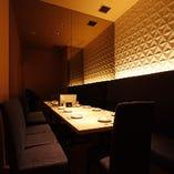 暖かな光が包む モダン個室が充実。大宴会に最適な65名座敷完備