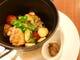 骨付き鶏もも肉と野菜のストーブ焼き