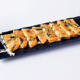 山芋のサクサクチヂミです。 他にも海鮮チヂミ・たけのこチーズチヂミもございます。