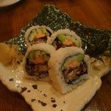 見た目も楽しい、豊富なロール寿司!