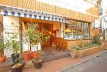 武蔵小山駅からほど近い路地裏に店を構える。