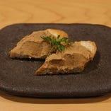 焼鳥や焼串だけでなく、一品料理もご用意しております。