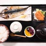 焼魚・白身フライ定食