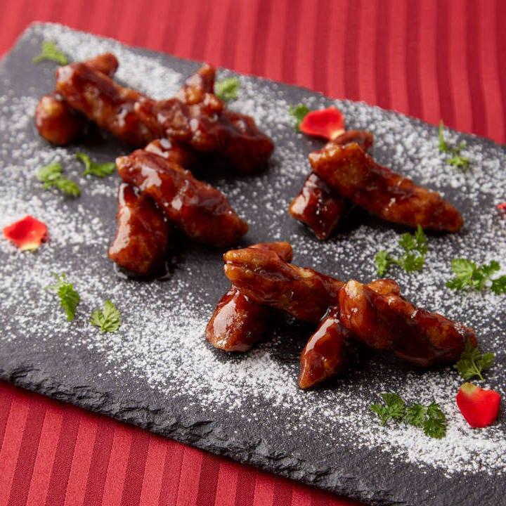 人気の逸品「黒酢風味の酢豚」