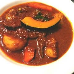 国産牛ホホ肉と野菜のカレー(ナン付き)