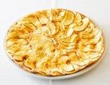 リンゴのピッツァ ハチミツとシナモン風味