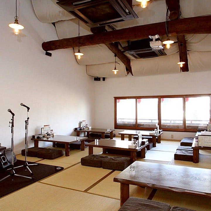 2階座敷は20~30名様の宴会OK 天井の高い気持ちのよい空間です