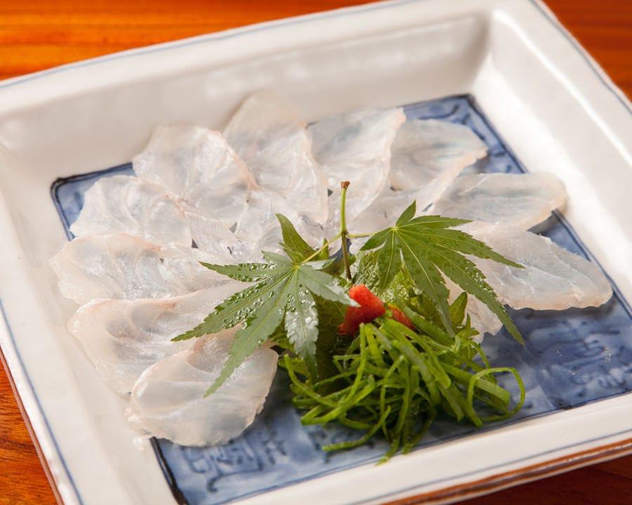 旬の魚介を活かした鮮魚料理が自慢