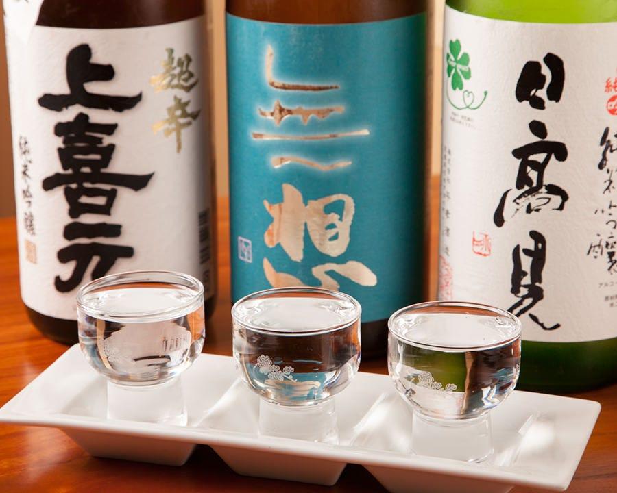 店舗名物「日本酒の三種飲みくらべ」