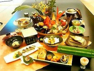 季節ごとの旬の食材を使った懐石フルコースです。