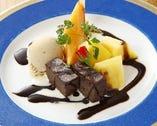 《 ガトーショコラとマロングラッセ 》この時期は、マロングラッセが最高です。