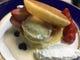 《旬のフルーツとバニラのパンケーキ》パンケーキを どうぞ!