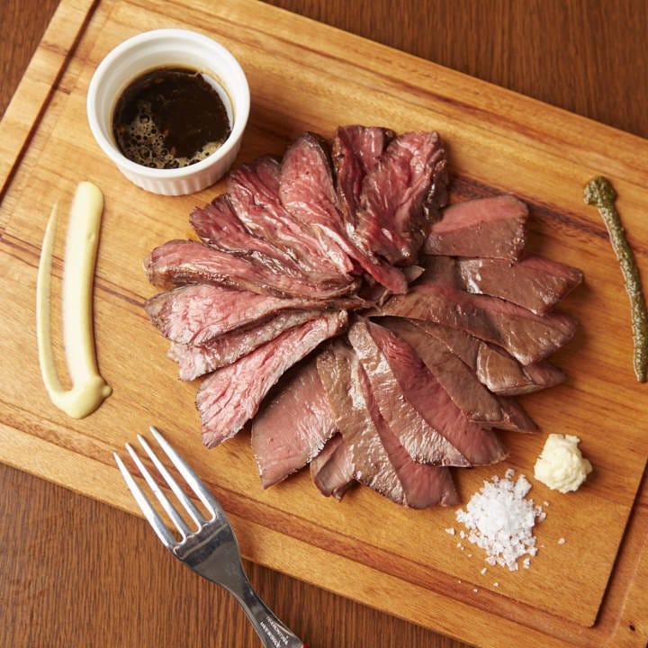 地元仕入れならでは!コスパ◎肉料理