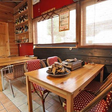 千葉葡萄酒食堂 Huitre  店内の画像