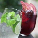 旬のフルーツを使用したサングリアやワインカクテルもおすすめ