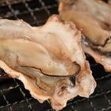 焼牡蠣は、シンプルに素焼き、ブルギニョンバター焼き、柚子バターの香り焼きの中からお好みでお召し上がりください♪