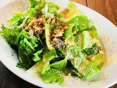 ロメインレタスと牡蠣の温シーザーサラダ