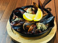 牡蠣とムール貝の焼き飯