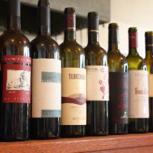 イタリアワインを中心に取り揃え