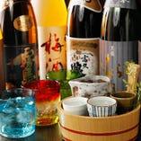日本酒やワイン豊富な品ぞろえです。