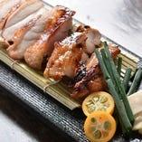 肉汁溢れる,大仙鶏の黒七味焼き!! ヘルシーなお肉料理です♪
