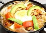 カマンベールとモッツアレラのガーネットトマト鍋