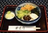 【夏のおすすめ】冷やしたぬきうどん 735円