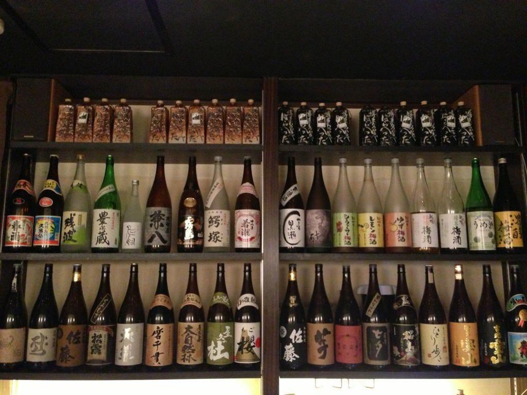 こだわりの焼酎、日本酒がズラリ。