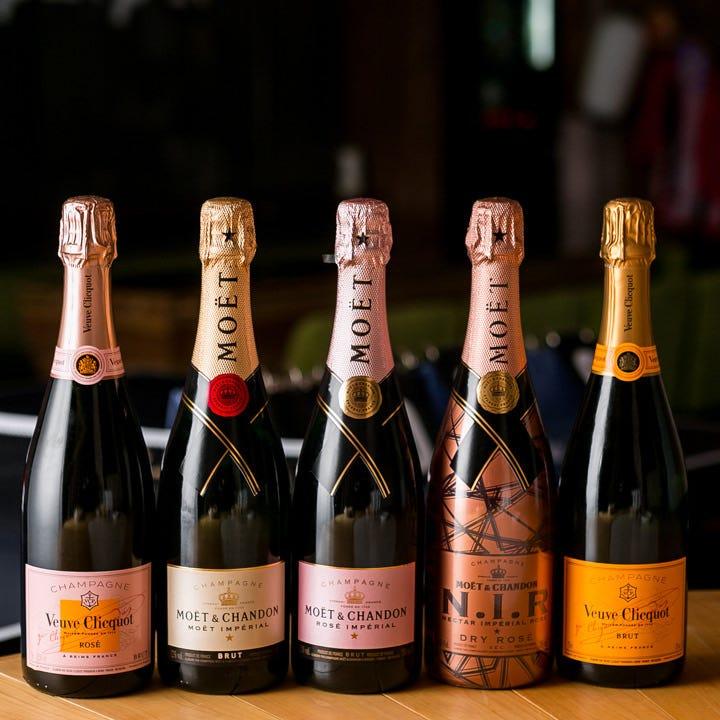 シャンパンをはじめワインやビール・カクテルなど豊富にご用意