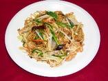 上海焼きそば 醤油ベースの野菜がたくさん入った焼きそば