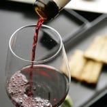 前川の鰻との相性を考え選りすぐられたスペイン産のワイン。