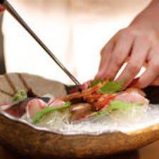 豊洲市場直送の旬魚を美しく