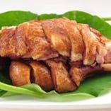 【雲南ダック燻製】 雲南料理の代表的な逸品です。