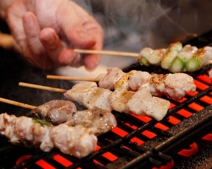 宮崎県霧島鶏をこだわりの電気焼きで