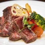 【ワインとともに】 貴重なフィレ肉のステーキはぜひ赤ワインで