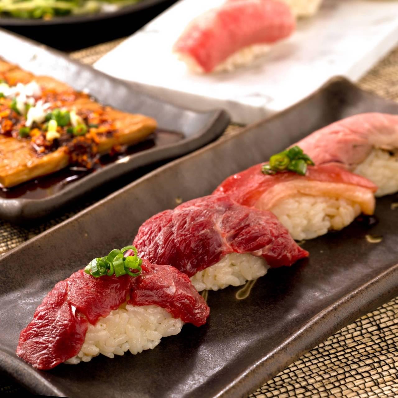 肉寿司を満喫!食べ放題!
