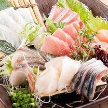 函館漁港より直送で仕入れる新鮮魚介