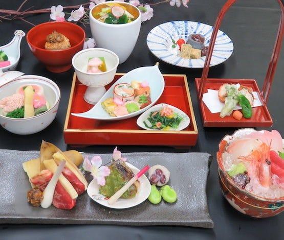 季節の特別会席コース「桜花(おうか)」 6,500円(税込)