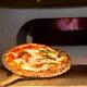 石窯で焼いたモチモチのナポリ風ピッツァ