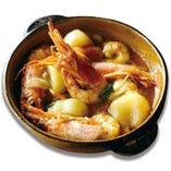 有頭赤海老とじゃが芋のガーリックオイル煮