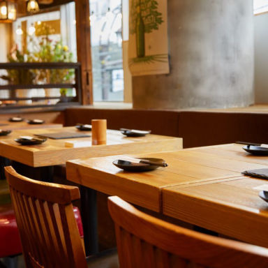 肉と旬菜酒場 ばらかもん 柏駅前店 店内の画像