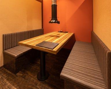 全席完全個室 炭火極味焼肉 英(ハナフサ) 三条店 店内の画像