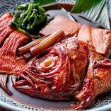 【金目鯛の煮付け】旨味を生かし、あっさりした味つけで調理
