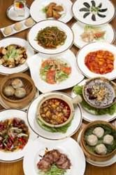 色々ならべて中華料理の醍醐味!
