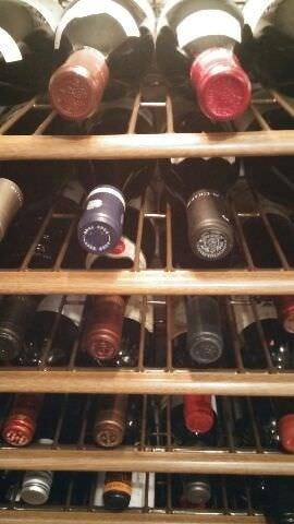 約70アイテムの産地別ワインリスト