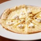 三種の豆乳チーズピザ