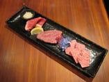 最高級のお肉が食べたい方に、特選三種盛り合わせ ¥5800