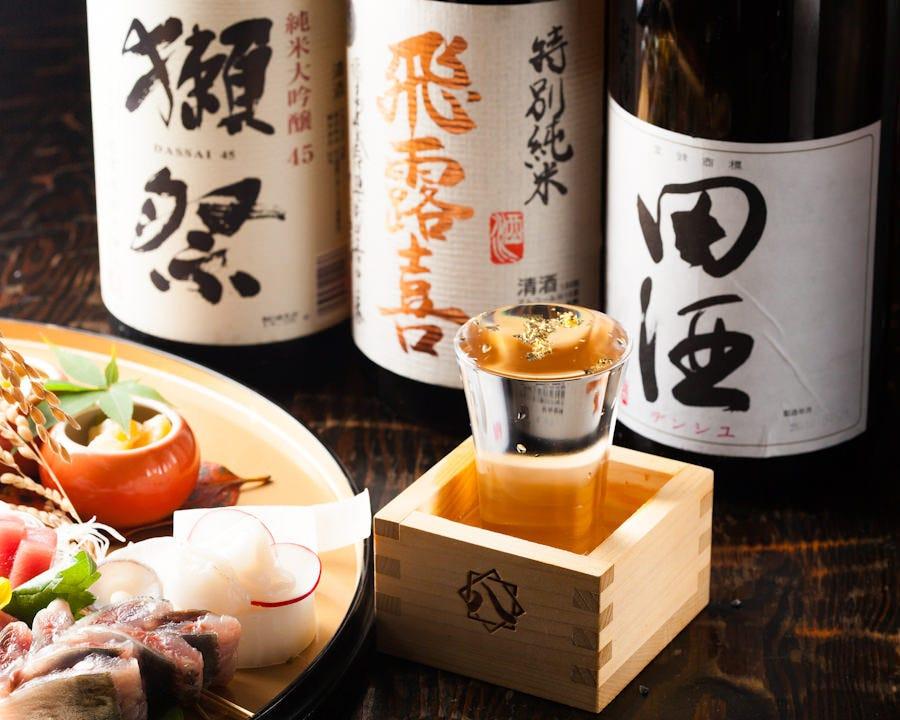 全国から取り寄せた日本酒が多数