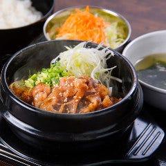 カルビ丼とサムギョプサルの美味しい店 ぶた韓 朝…