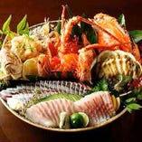 【名物】豪快皿鉢料理。龍馬が愛した土佐の味が盛り沢山